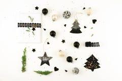 抽象空白背景圣诞节黑暗的装饰设计模式红色的星形 xmas装饰的创造性的抽象构成 免版税图库摄影