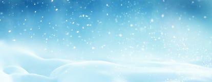 抽象空白背景圣诞节黑暗的装饰设计模式红色的星形 与雪的冬天横向 免版税库存图片