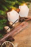 抽象空白背景圣诞节黑暗的装饰设计模式红色的星形 男孩节假日位置雪冬天 欢乐晚上 免版税库存图片