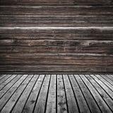 抽象空的黑暗的木室背景 图库摄影