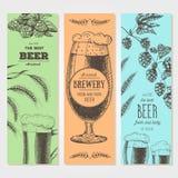 抽象背景横幅集合向量 在剪影样式的传染媒介例证 手拉的啤酒垂直横幅 线描 库存图片