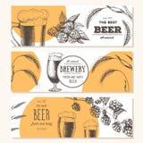 抽象背景横幅集合向量 在剪影样式的传染媒介例证 手拉的啤酒水平的横幅 线描 库存图片