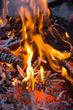 抽象背景灼烧的炭烬壁炉 库存图片