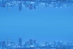 抽象背景颠倒的都市风景和空间拷贝的 免版税库存图片