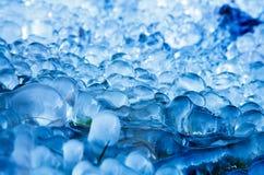 抽象背景,美丽的圆的蓝色冰 图库摄影