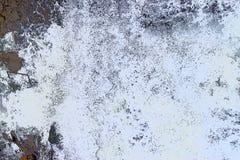抽象背景-与黑和灰色颜色的不规则的白色形状-水流程  皇族释放例证