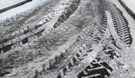 抽象背景 在路2的雪踪影 库存照片
