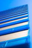 抽象蓝色明亮的摩天大楼 免版税库存照片