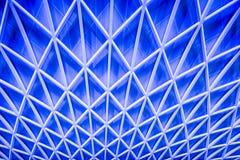 抽象蓝色建筑学天花板 图库摄影