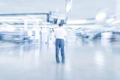抽象迷离在机场 免版税库存照片