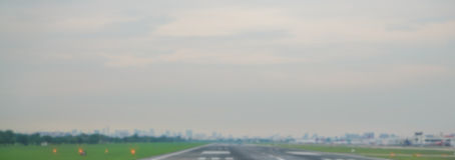 抽象迷离飞机终端在机场 库存图片