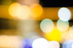 抽象金黄Bokeh被弄脏的光 免版税库存图片