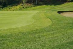抽象高尔夫球绿色陷井 库存图片