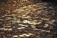 抽象鹅卵石路面 老铺的小的石头街道城镇 库存照片