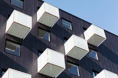 抽象建筑学,立方体状的阳台 免版税库存图片