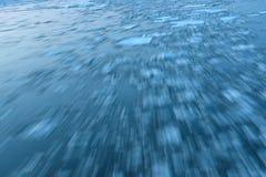 抽象水跟踪小河 免版税图库摄影