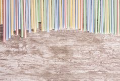 抽象bacground五颜六色的塑料秸杆 免版税库存图片