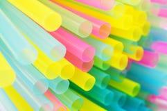 抽象bacground五颜六色的塑料秸杆 库存照片