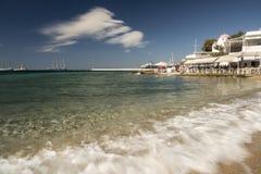 担任主角飞剪机米科诺斯岛镇和港口希腊 库存图片