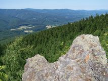从负担谷的石头的看法 免版税库存照片