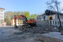 拆毁重建的挖掘者房子 免版税图库摄影