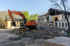 拆毁重建的挖掘者房子 库存照片