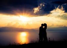 拉丁文在普雷斯帕湖的日落在马其顿 免版税库存照片