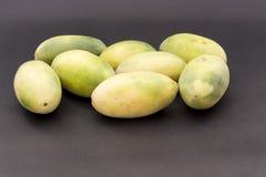 拉丁美洲的果子叫香蕉passionfruit (拉特 西番莲tripartita) (用主要西班牙语tumbo, curuba, taxo 库存照片