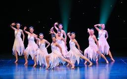 拉丁舞蹈小组 免版税库存照片