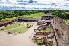 拉克韦雷,爱沙尼亚 中世纪堡垒,旅行围场和墙壁  库存图片