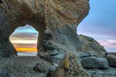 拉古纳海滩岩石曲拱 免版税库存图片