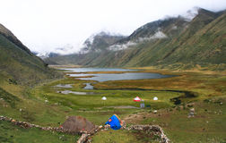 拉古纳Jahuacocha,山脉Huayhuash,秘鲁 库存图片