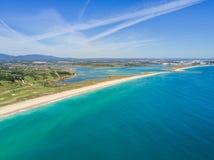 拉各斯和Alvor,阿尔加威,葡萄牙鸟瞰图  图库摄影