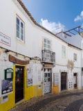 拉各斯, ALGARVE/PORTUGAL - 3月5日:老餐馆和酒吧在La 库存图片