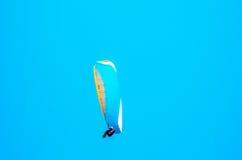 巴拉在天空的滑翔机飞行,有效地花费的业余时间, wonderf 库存图片