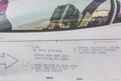 拉多姆,波兰- 8月26 :在空气期间,波兰F-16做它的展示 库存图片