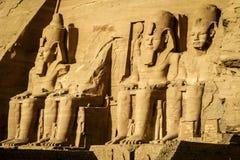 拉姆西斯伟大的寺庙II在阿布格莱布Simbel,埃及 免版税库存图片