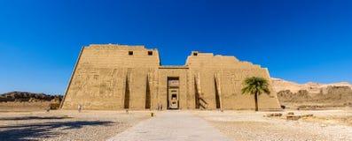 拉姆西斯太平间寺庙III在卢克索附近 免版税库存照片