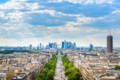 拉德芳斯商业区,重创的Armee大道 法国巴黎 免版税库存照片