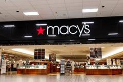 拉斐特-大约2018年10月:Macys百货大楼 Macy's在互联网年龄IV努力留住顾客 库存照片