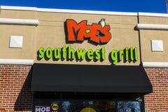 拉斐特-大约2016年12月:Moe ` s西南格栅快速的偶然餐馆 有超过600个地点我 免版税库存照片