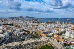 拉斯帕尔马斯de大加那利岛全景在一多云天 库存图片