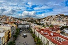 拉斯帕尔马斯de大加那利岛在一美好的天,从圣安娜大教堂的看法全景  免版税库存照片