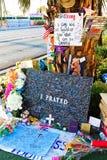 拉斯维加斯射击受害者的热忱的花床 免版税库存照片