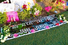 拉斯维加斯射击受害者的纪念消息 免版税图库摄影