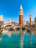 拉斯维加斯,威尼斯式旅馆赌博娱乐场, Rialto桥梁,长平底船 免版税图库摄影