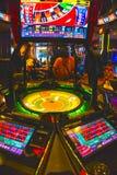 拉斯维加斯,美利坚合众国- 2016年5月7日:打牌轮盘赌的桌在佛瑞蒙赌博娱乐场 图库摄影