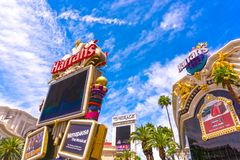 拉斯维加斯,美利坚合众国- 2016年5月05日:Harrah ` s旅馆和赌博娱乐场的外部小条的 库存照片