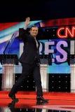 拉斯维加斯、NV、2015年12月15日,特德Cruz,从得克萨斯的一名共和党人和2016参议员总统候选人,在阶段a走并且挥动 免版税图库摄影