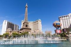 巴黎拉斯维加斯旅馆和赌博娱乐场的看法有fountain&#x27的; s展示,拉斯维加斯,美国 库存照片